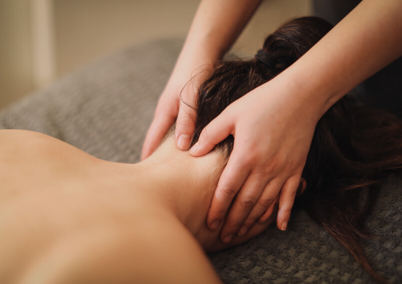 Lady receiving a free massage from a qualified beauty therapist